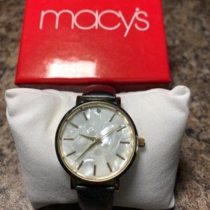 NIB WOMENS PEARLCOLORED FACE WATCH